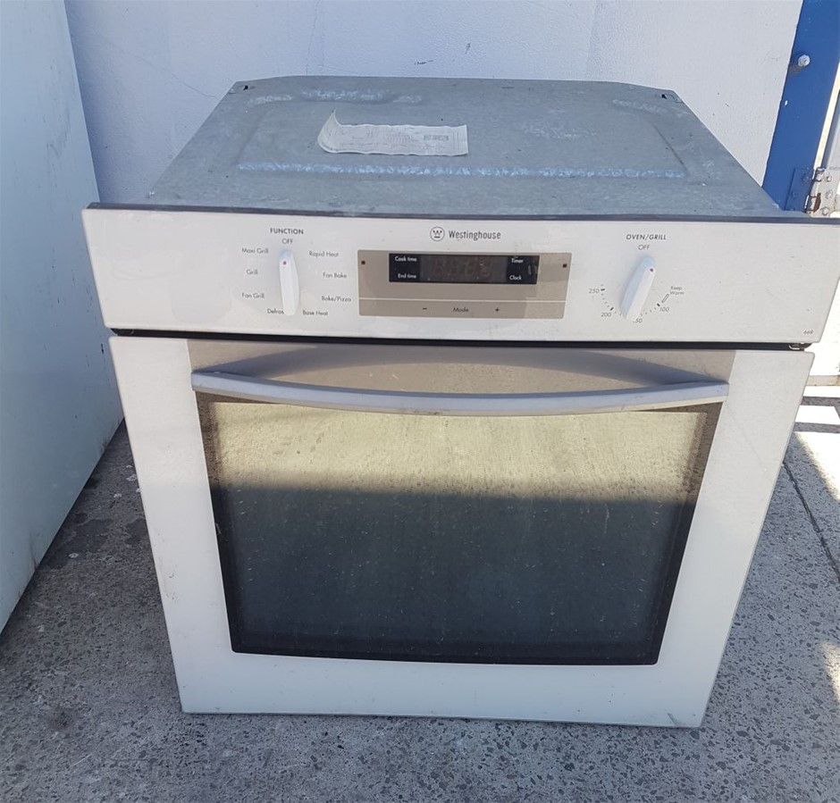 WESTINGHOUSE ELECTRIC INSERT OVEN WITH GLASS FRONT OVEN/GRILL Located: