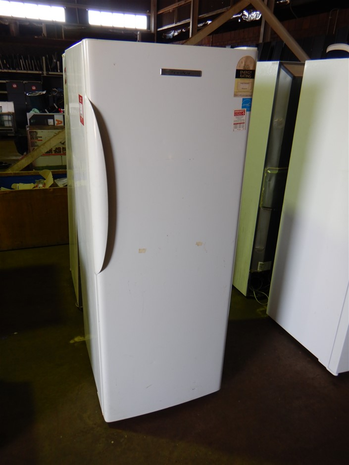 Fisher & Paykel E450R Refrigerator