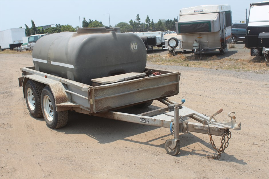 2012 Diverse Transport Fab Tandem Box Trailer with Fuel Tank