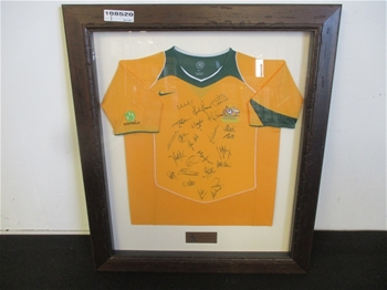 Tattersalls Framed / Autographed 2005 / Socceroos Jersey