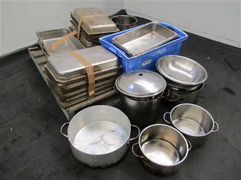 Large Quantity of Kitchen Items