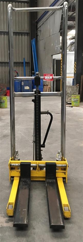 Mini Fork Stacker. Manual. SWL: 400kg