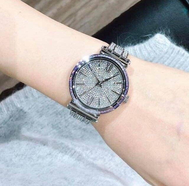 Ladies new Michael Kors 'Nina Pave' Couture stunning watch