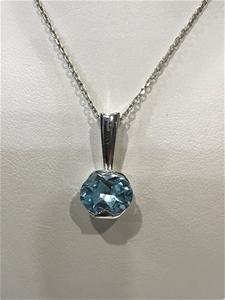 Stunning Genuine 2.10ct Blue Topaz Penda