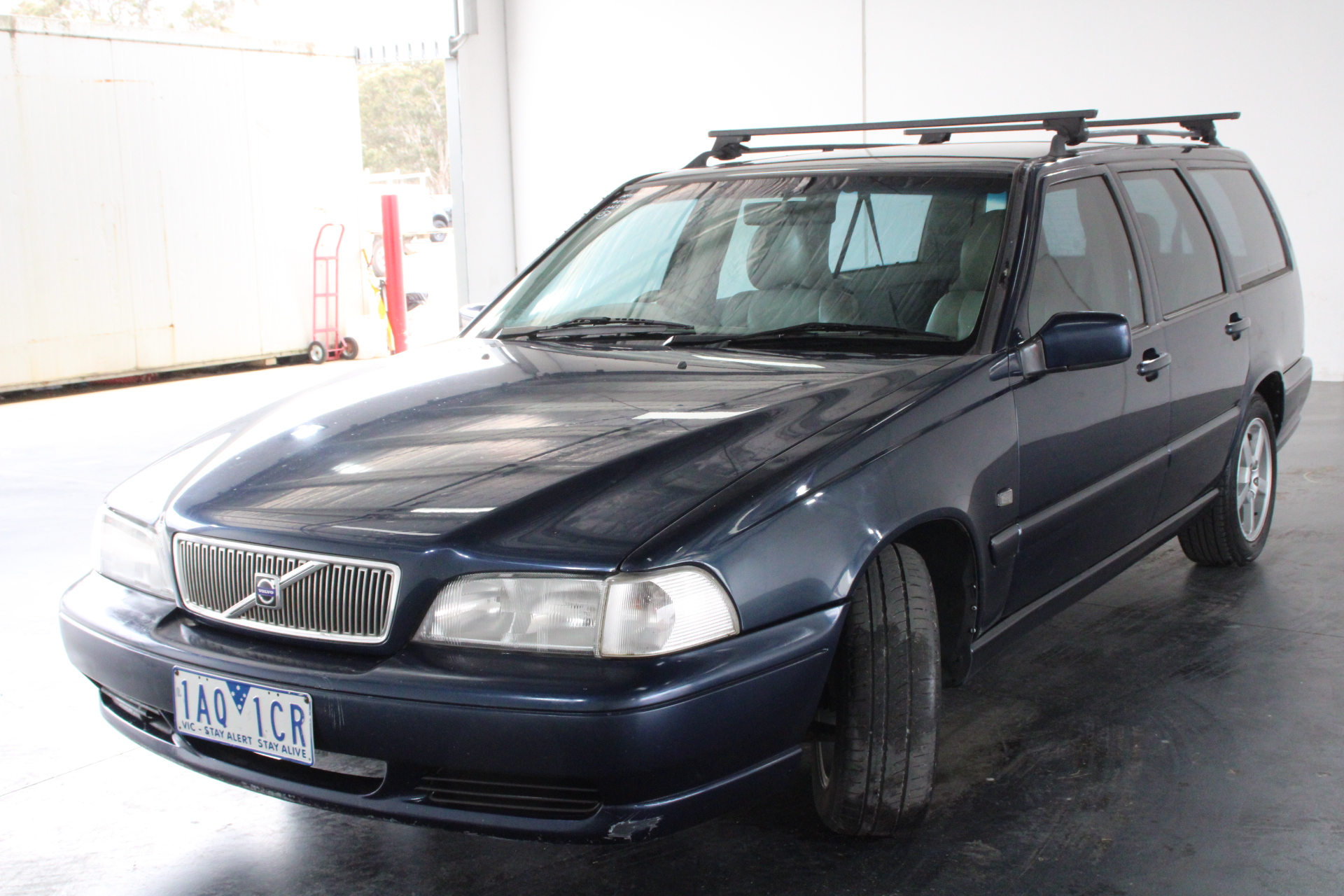 1999 Volvo V70 2.5 20V Automatic 7 Seats Wagon