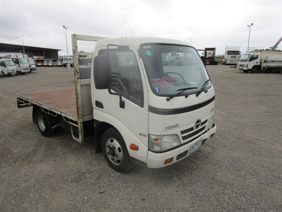 2009 Hino 300/614 Tray Body Truck