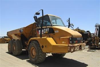 2009 Caterpillar 725 Articulated Dumptruck
