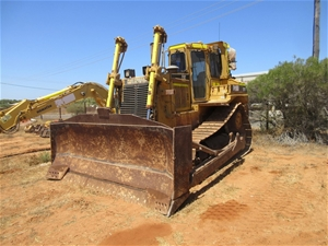 Caterpillar D7H Crawler Dozer with Rippe