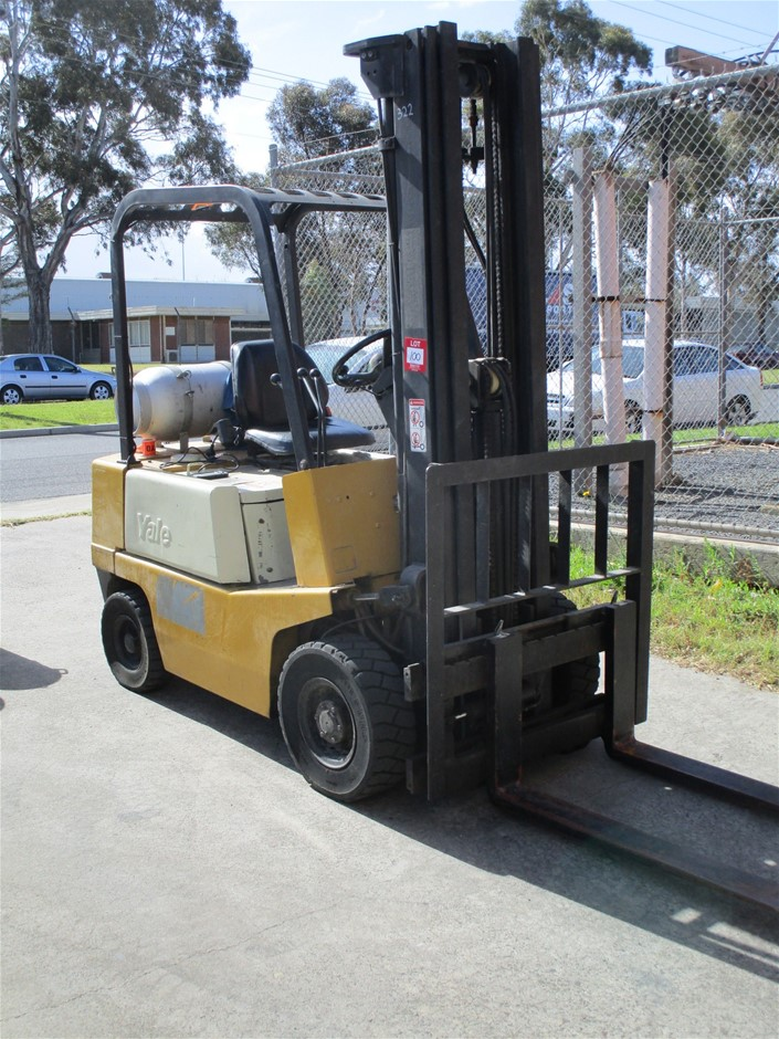 Yale Counterbalance Forklift