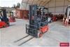 <B>2005 1.8 Tonne Linde E18P 4 Wheel Counter Balance Forklift</B> <li>Year
