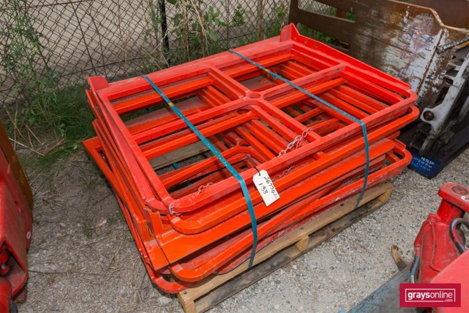 8x Pallet Steel Frame Attachment Build Date: Unknown <li