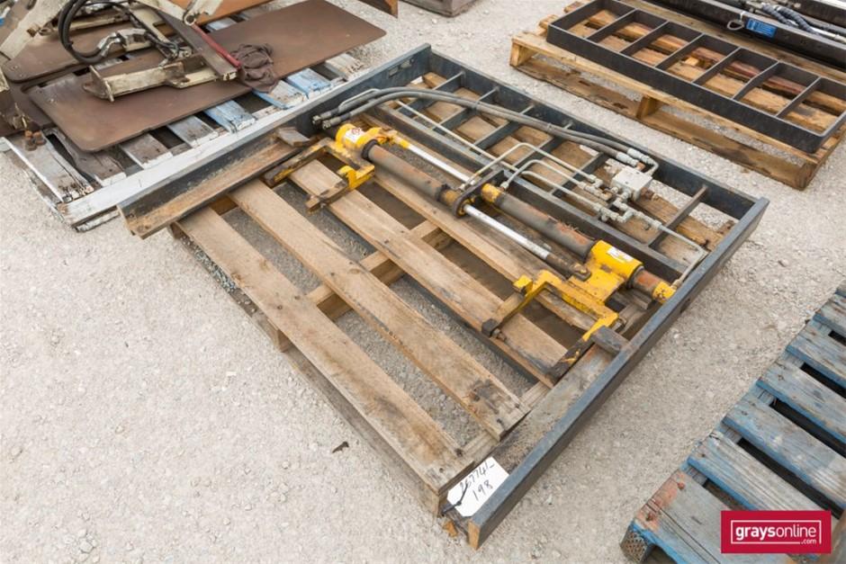 Sattach Forklift Frame Size: (W)1210mm (H)1180mm Damage: S