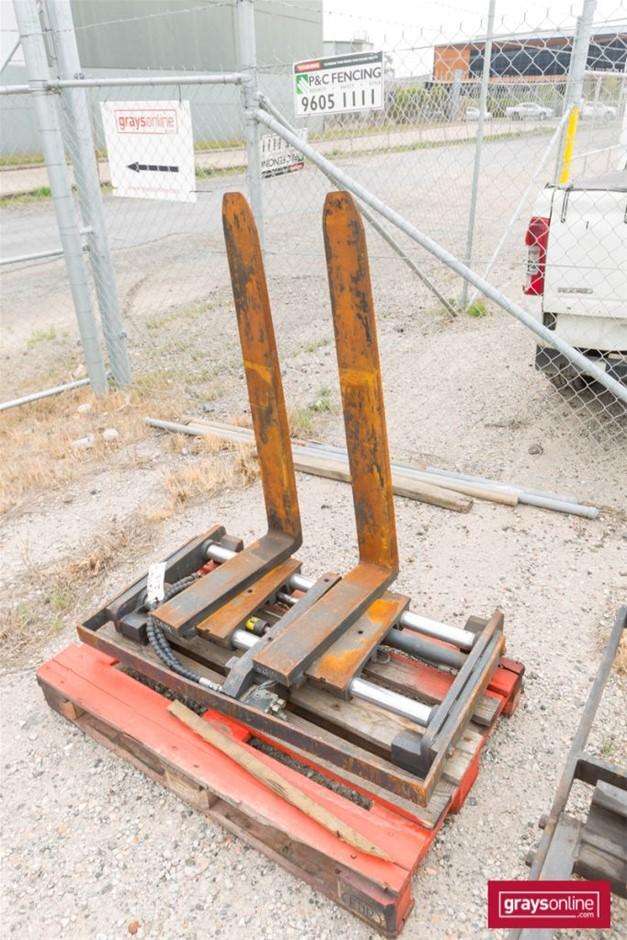 Forklift Frame Size: (W)1100mm (H)640mm Damage: Scraped, m