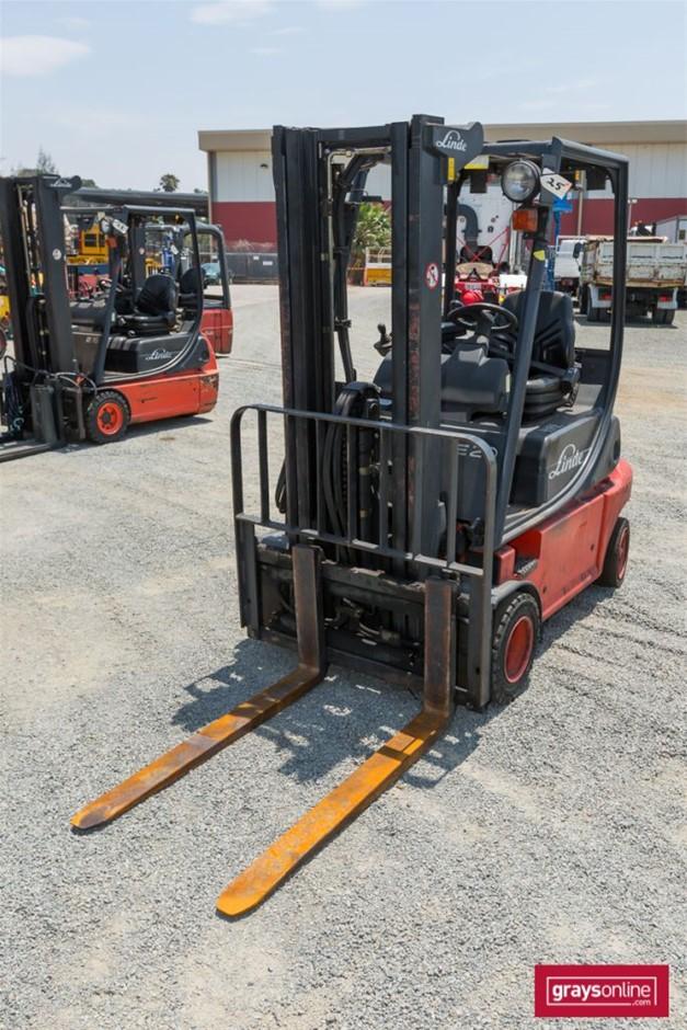 2008 2.0 Tonne Linde E20P 4 Wheel Counter Balance Forklift