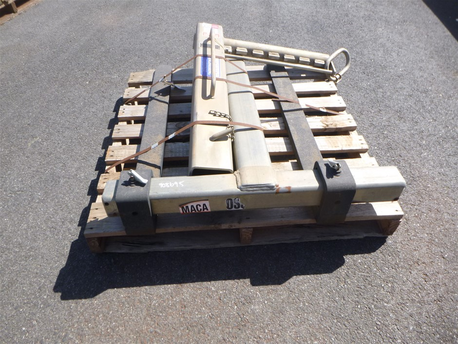 East West Engineering PHD2200 2200 kg Lifting Jib Fork Attachment