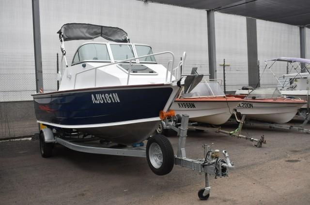 2018 Custom Half Cabin 5.5m Boat