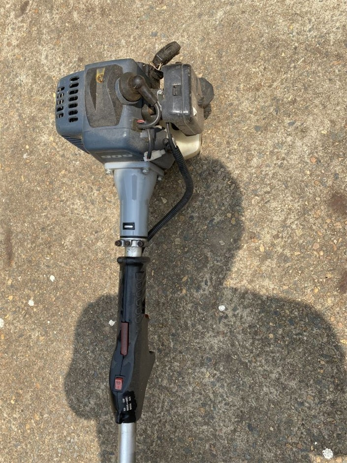 Unbranded Grass Trimmer , 2 stroke Complete, Untested (267980-104)