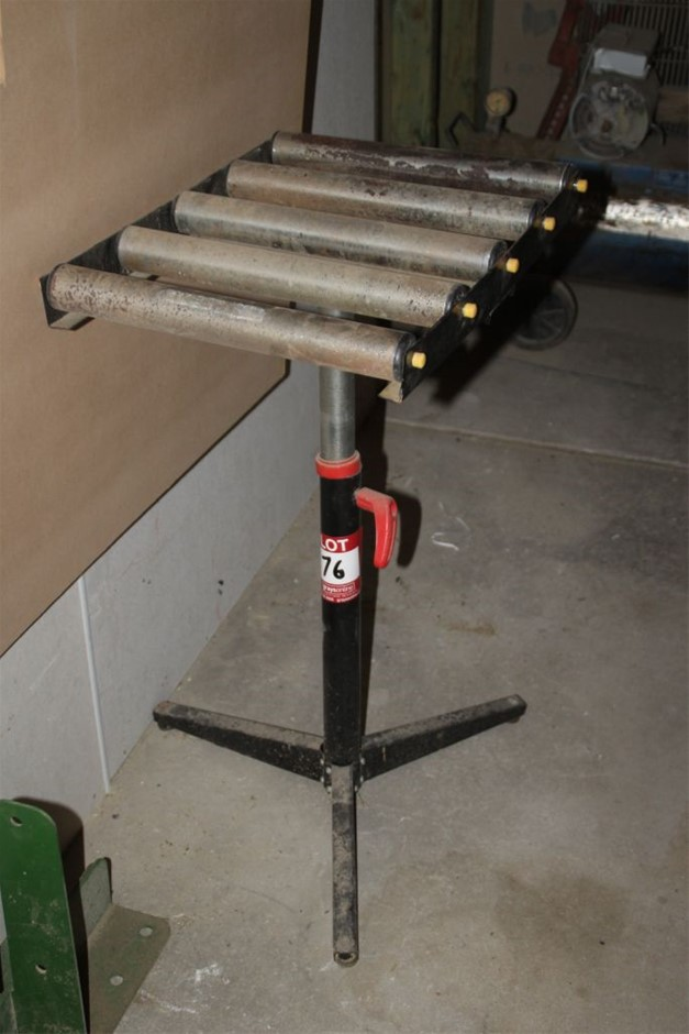 Adjustable Feed Table with Roller