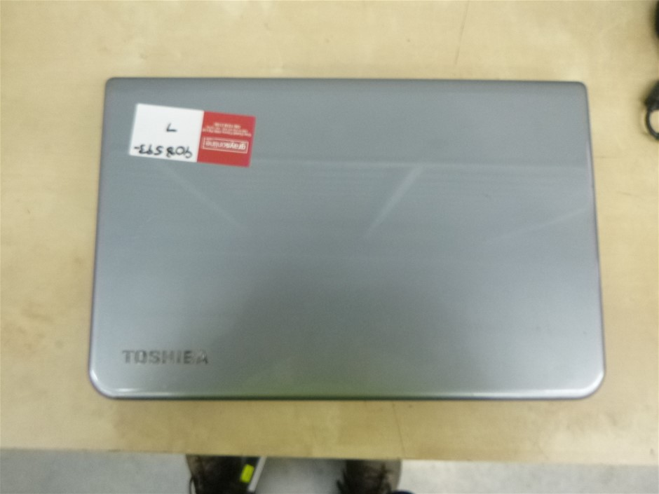 Toshiba Satellite Pro Notebook L50-A and Charger