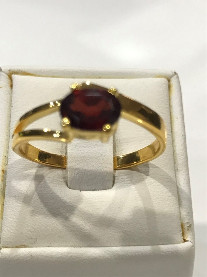 Brilliant Garnet & 18K Gold Vermeil Ring. Size R 1/2 (9)