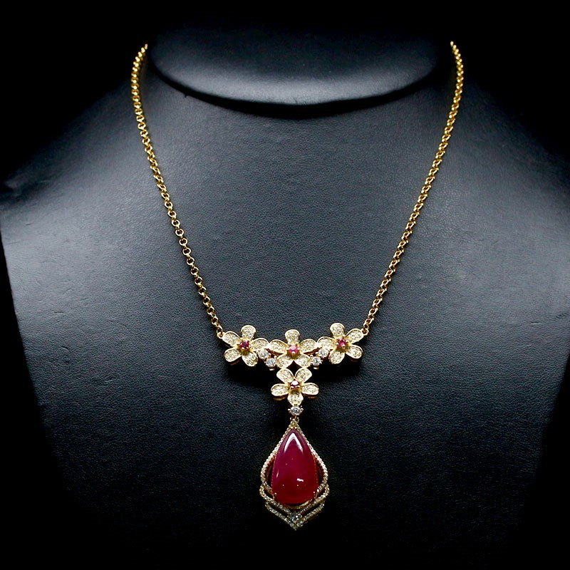 Spectacular Genuine Ruby Necklace.