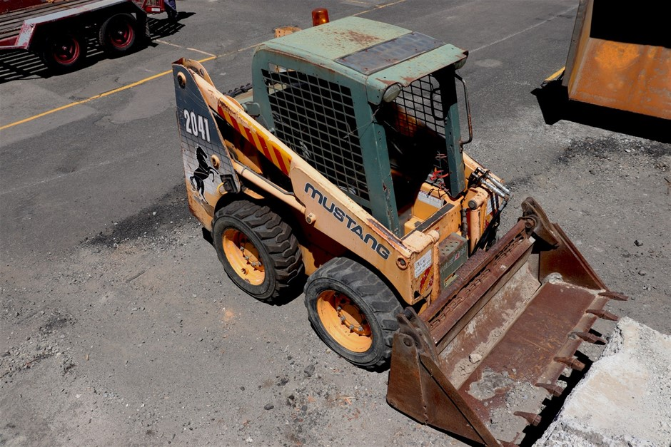 Mustang 2041 Skid Steer with Sweeper