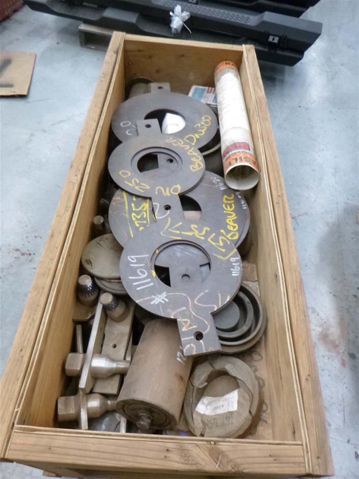 1x Crate Mixed Fittings, Mining Equipment, Rollers, Stainless Fittings
