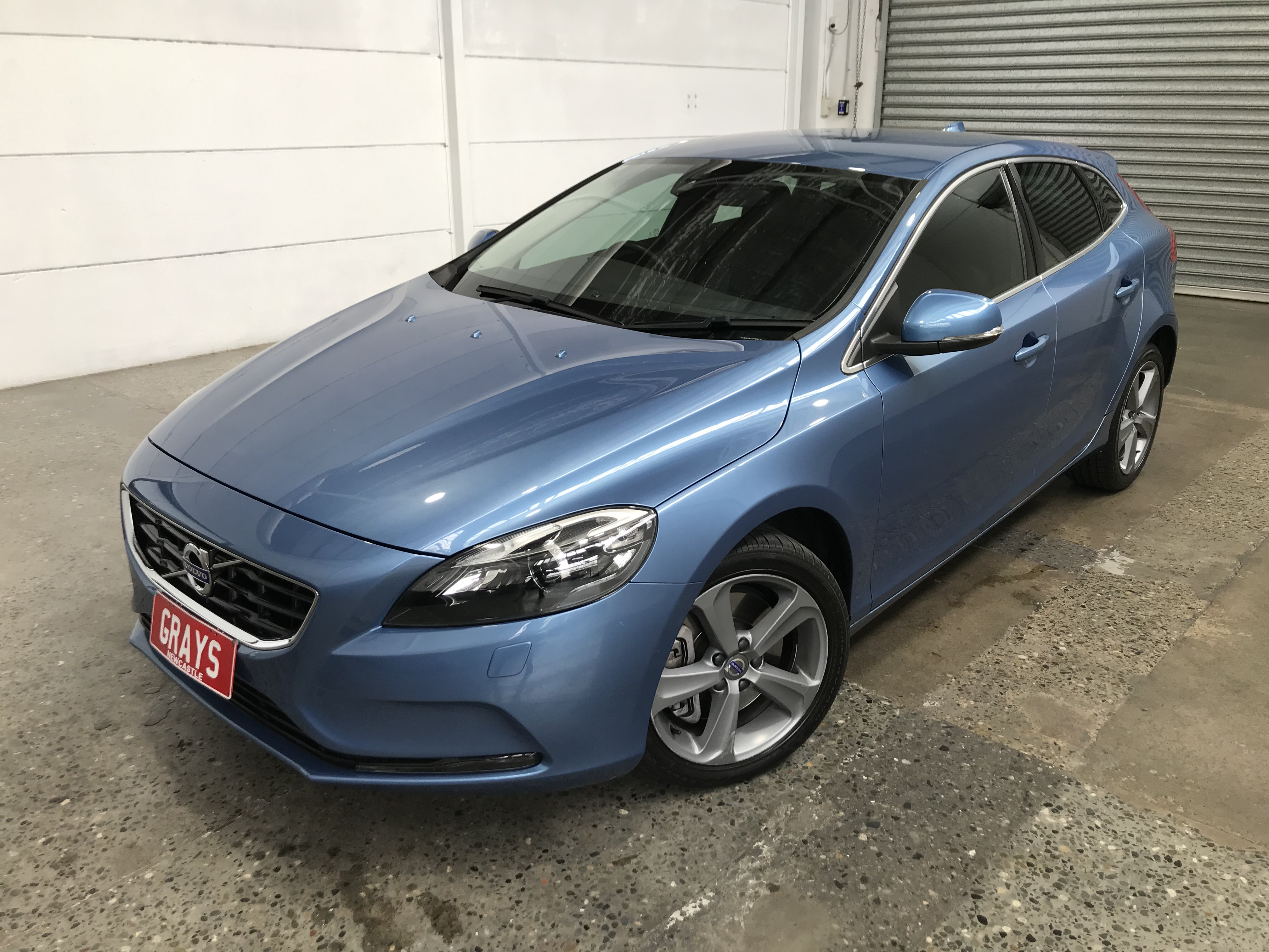 2016 Volvo V40 T4 Luxury Automatic Wagon