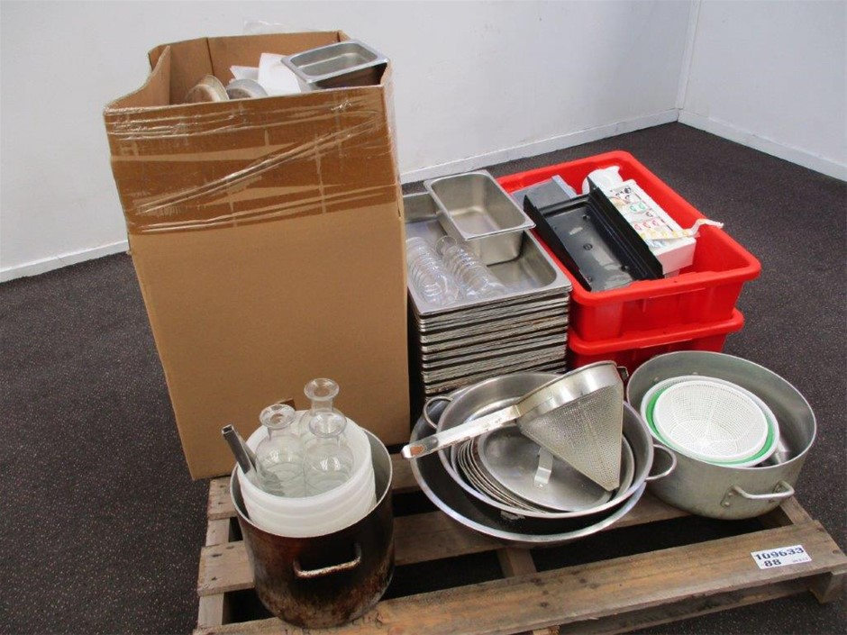 Pallet of Assorted Catering Items