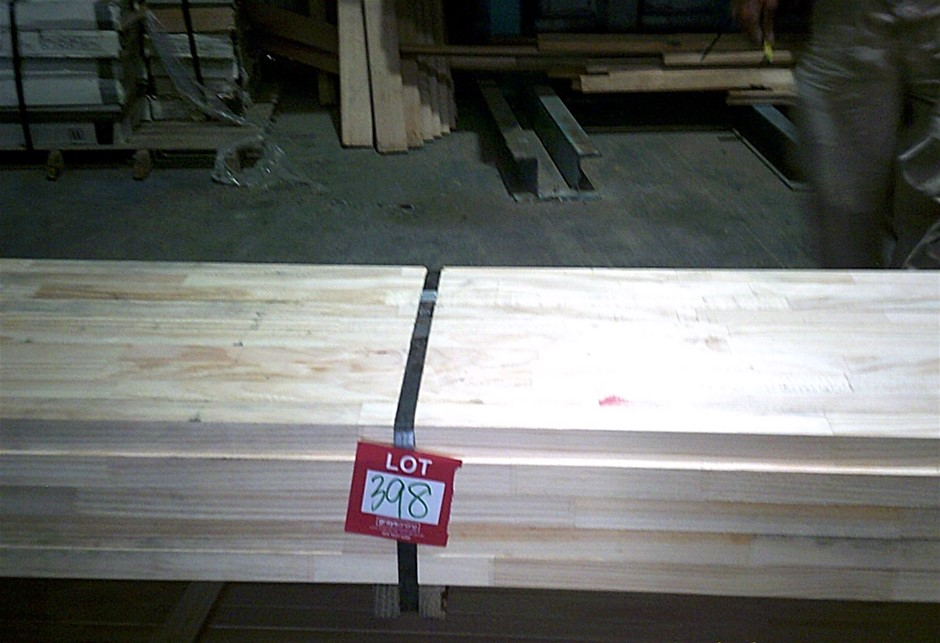 Pack of 42mm x 32mm Clear pine. Ideal for battens.
