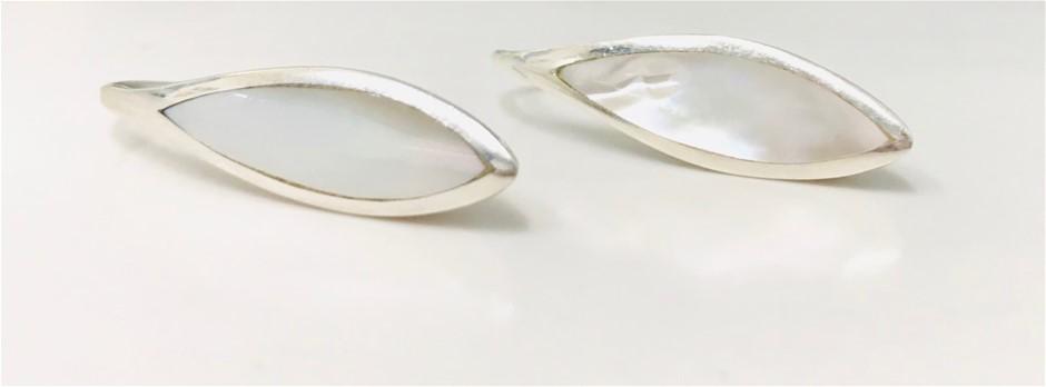 Sterling Silver Mother of Pearl earrings.