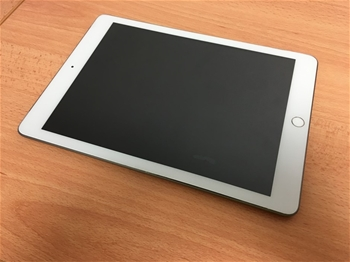 Apple A1823 5th Gen iPad