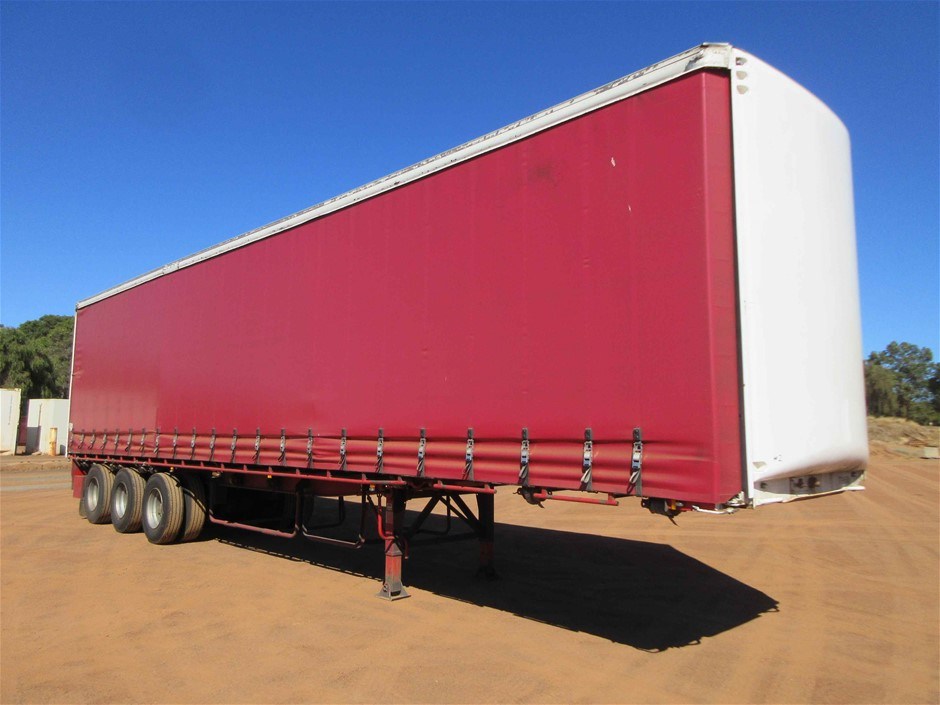 2001 Maxitrans 45Ft ST3 Triaxle Curtainsider Trailer
