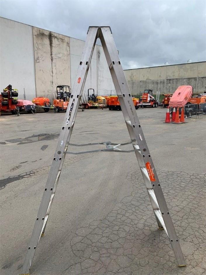 LADAMAX Ladder - Step Aluminium 2.4M