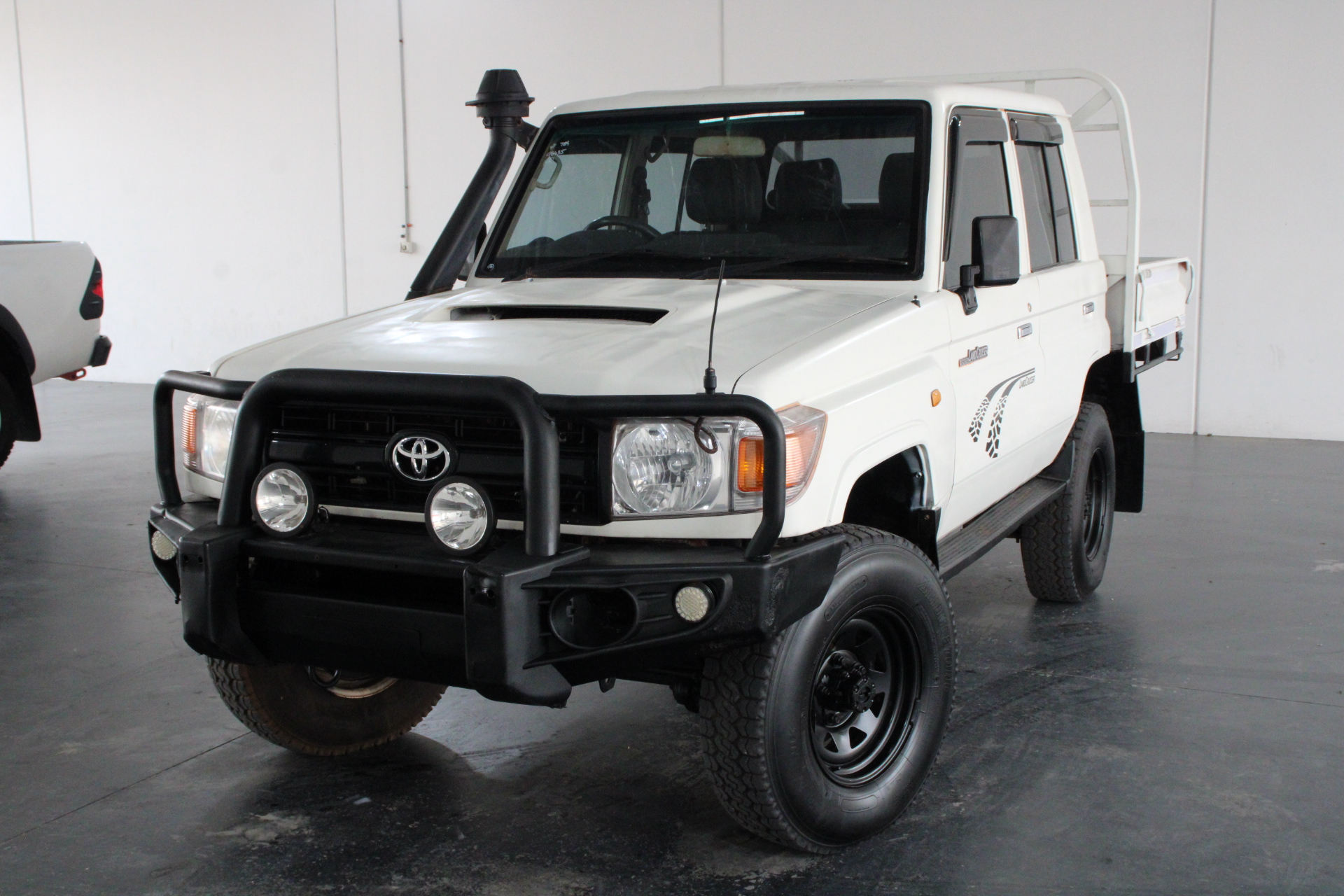 2011 Toyota Landcruiser Workmate 4x4 VDJ76R T/Diesel Manl Dual Cab Chassis