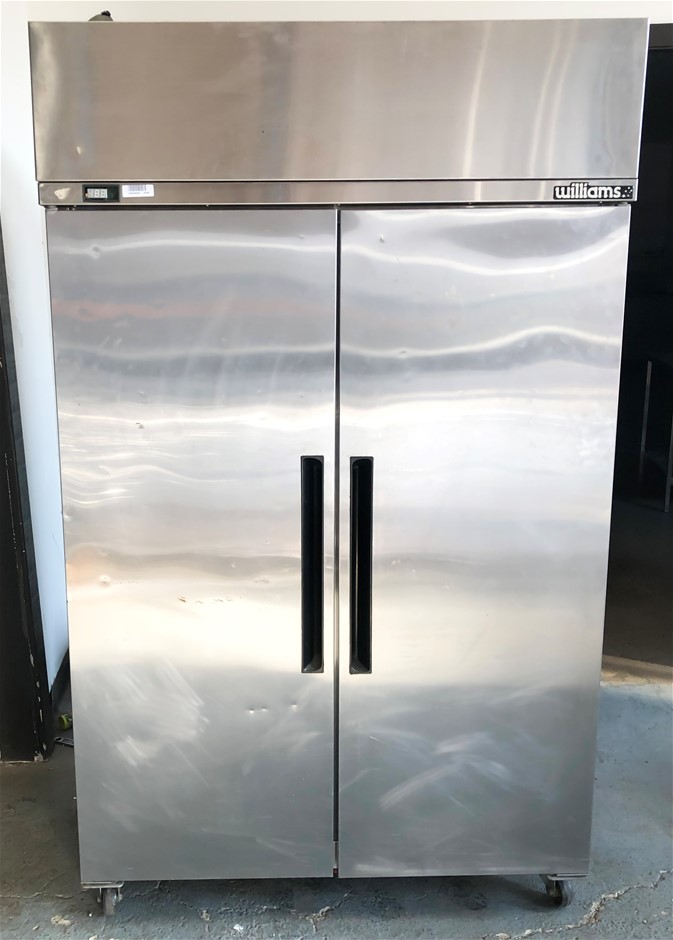 WILLIAM UPRIGHT 2 DOOR STAINLESS STEEL FREEZER SELF CONTAINED