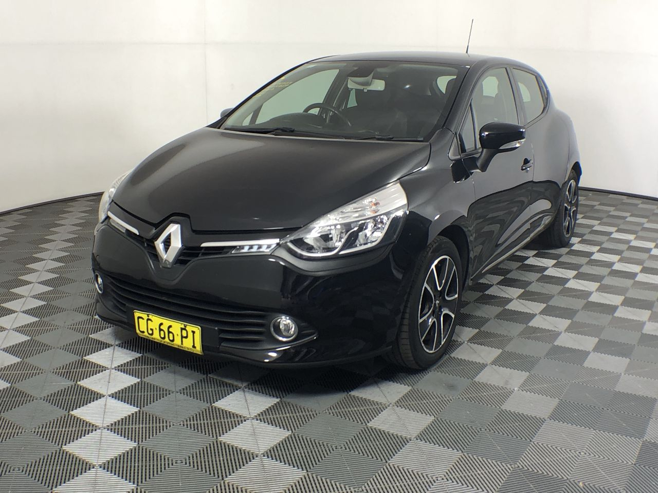 2015 Renault Clio Expression Automatic Hatchback