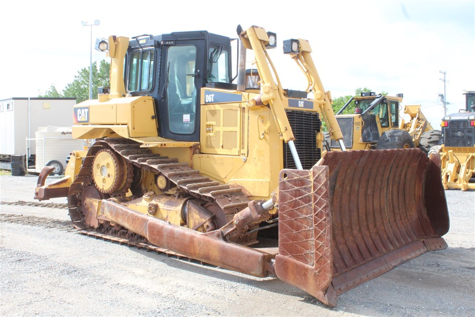 2011 Caterpillar D6T Crawler Dozer