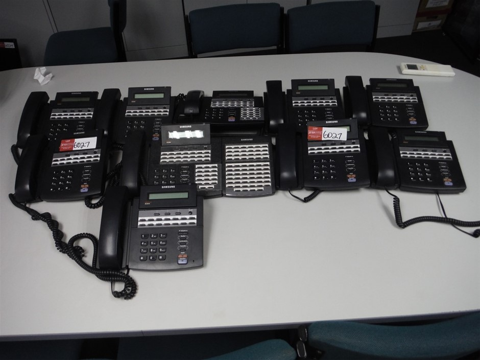 Quantity of 10 Samsung Telephones