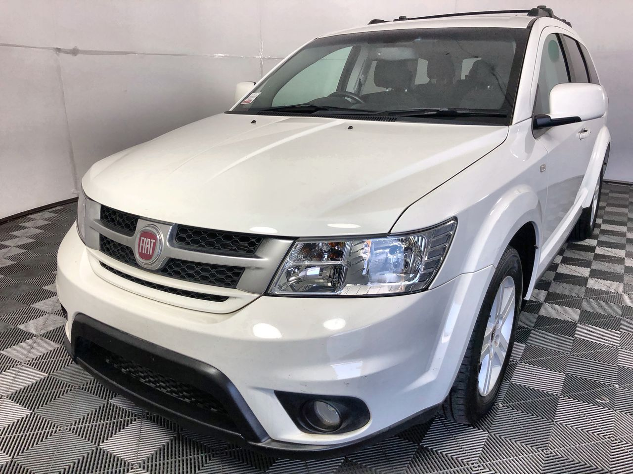 2015 Fiat Freemont Urban Automatic 7 Seats Wagon 110,331km