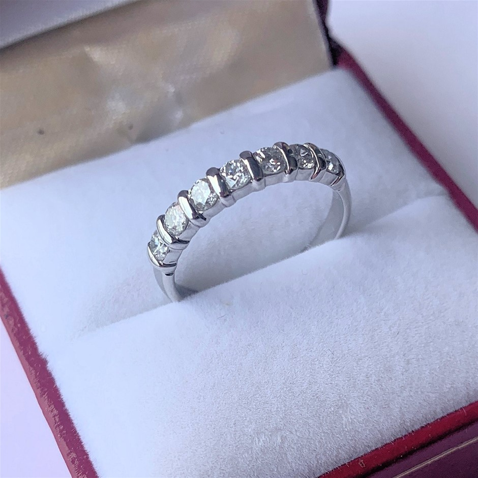 One Ladies Diamond Ring, 0.52ct in Total
