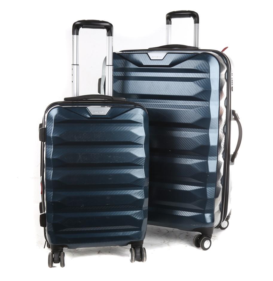 SAMSONITE Tech Two Hard Side Spinner 2pc Luggage Set. N.B. Minor marks, 1 x