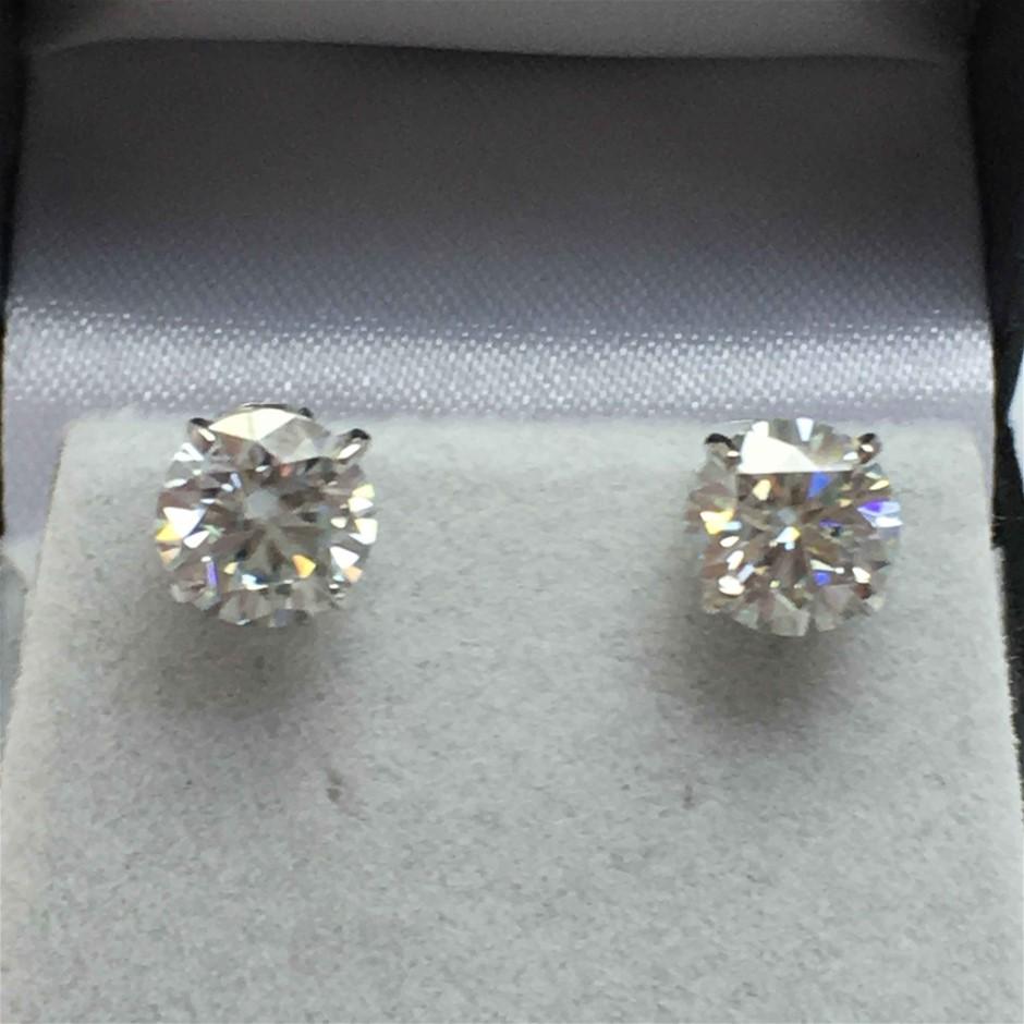 18ct White Gold, 1.95ct Moissanite Earring