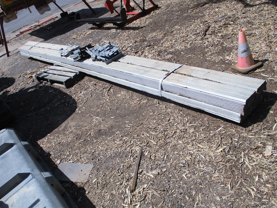 Approximately 36 x Lengths of Galvanised C-Section