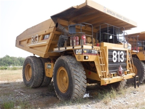 2000 Caterpillar 777D Rigid Dump Truck (