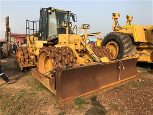 2001 Caterpillar 825G Compactor with Doz