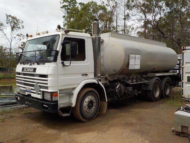 1987 Scania 112M 6 x 4 Fuel Tanker Truck