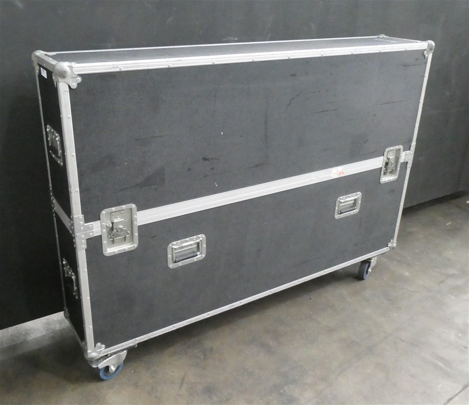 """Large 65"""" Plasma/LCD/LED Television 2 Part Road/Flight Case (with wheels)"""