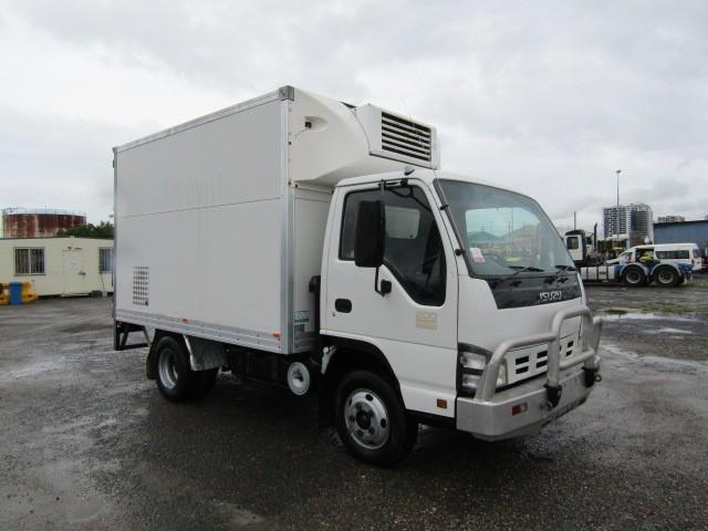 2006 Isuzu NPR 4 x 2 Refrigerated Body Truck