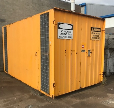 Flammable Gas Container with 2 Compartments, 4400mm x 2400mm
